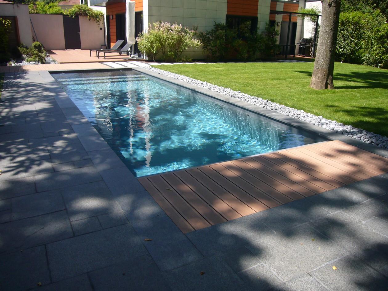Piscine escalier banquette vancia piscines concept for Piscines concept