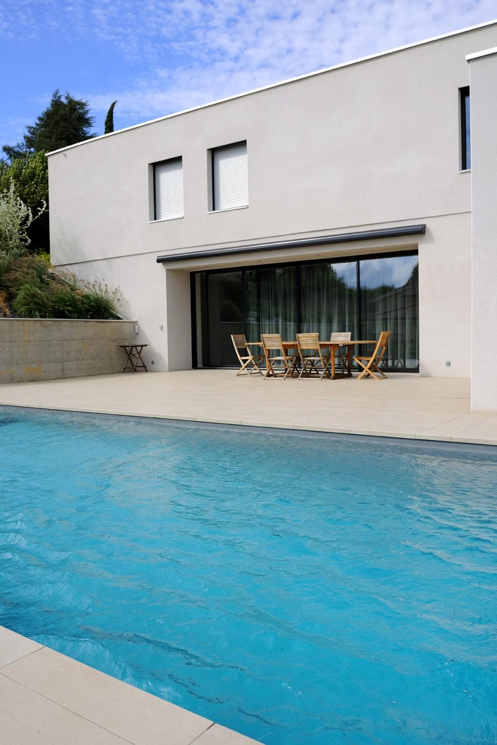 piscine avec volet banquette saint didier au mont d 39 or. Black Bedroom Furniture Sets. Home Design Ideas