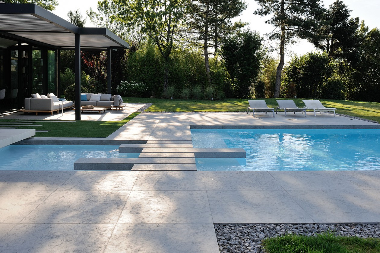 Piscine d bordement avec spa int rieur rh ne alpes for Concept piscine